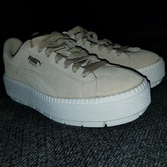 369db48c36a (New)womens 8.5 Puma platform sneaker
